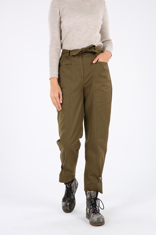 Pamuklu Paça Düğme Detaylı Pantolon