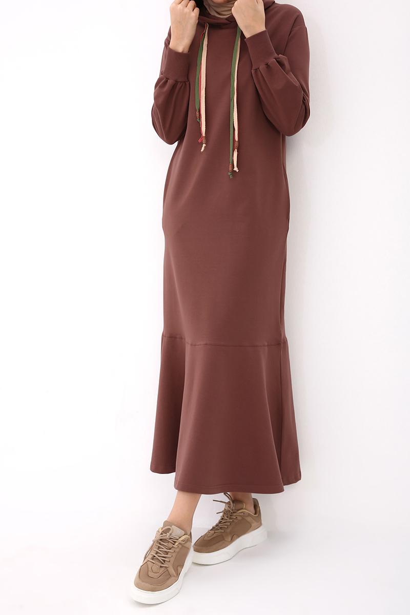 Renkli Kordon Detaylı Elbise