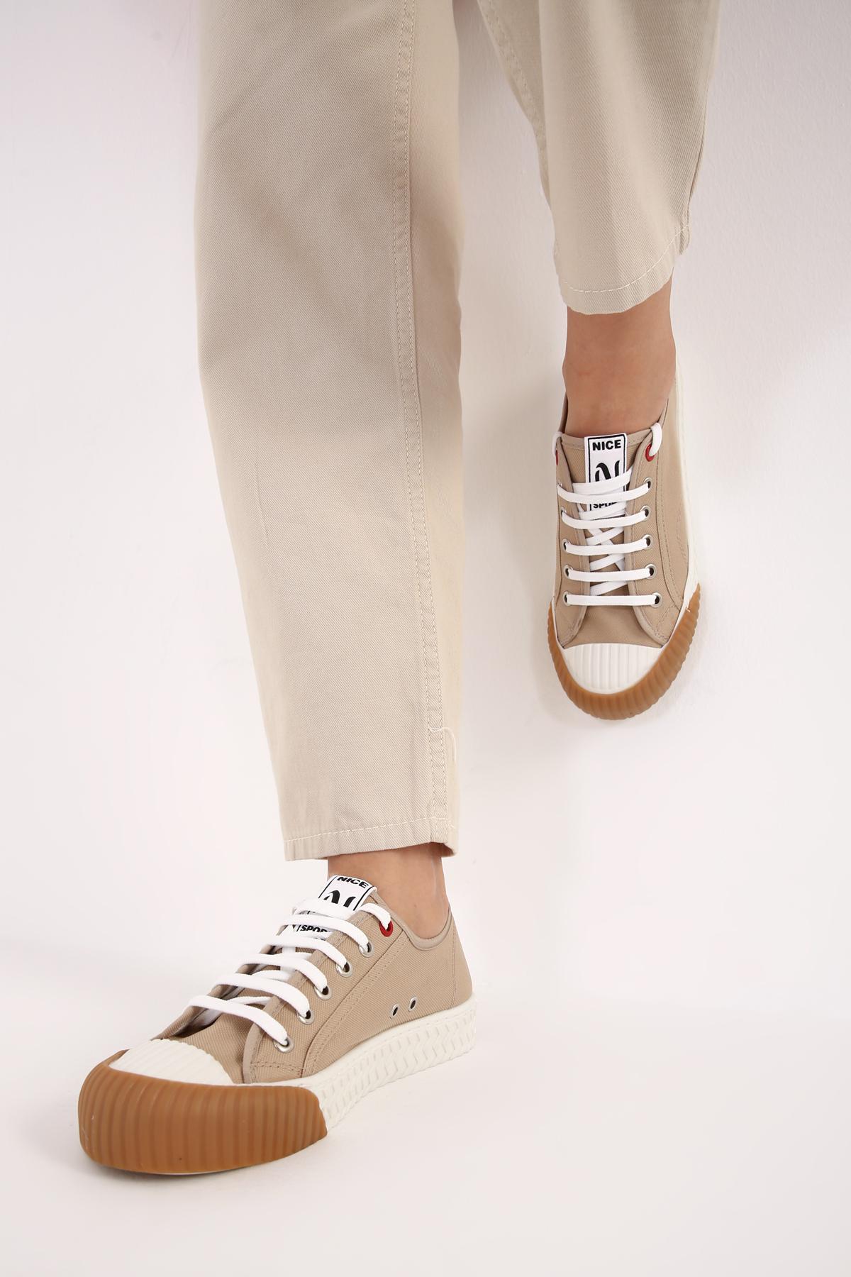 Taban Detaylı Spor Ayakkabı