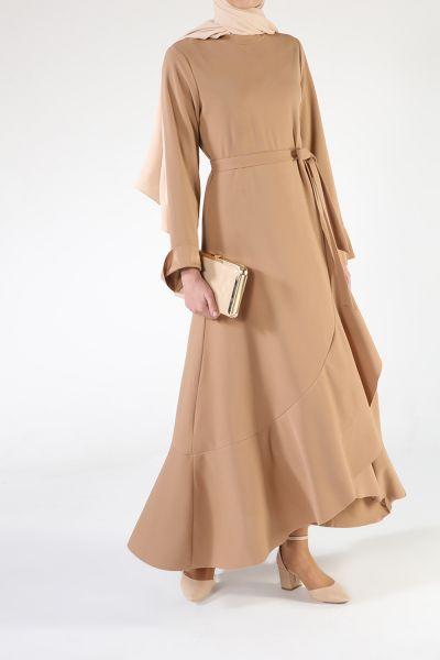 Volan Detaylı Kuşaklı Elbise