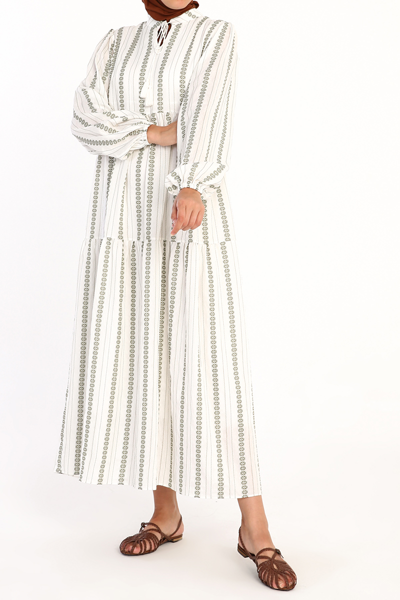 Yaka Bağlamalı Desenli Elbise