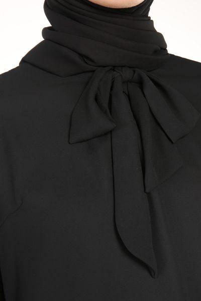 Kol Detaylı Yakası Bağlamalı Bluz
